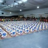 Florianópolis, SC — Só no município, foram distríbuidas quase 10 toneladas de alimentos não perecíveis para milhares de famílias de baixa renda.