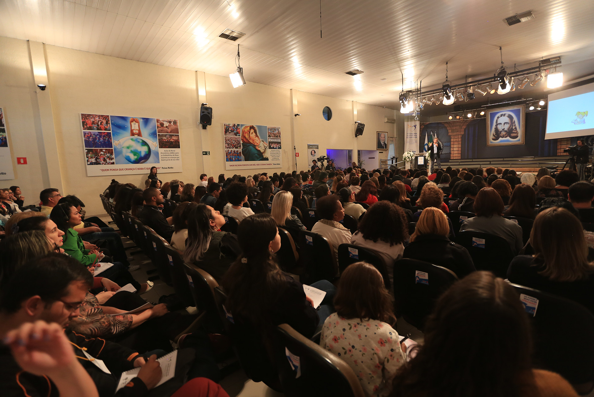 SEXTA-FEIRA, 28 — Encerrando as palestras do evento, Jaime Zorzi, doutor pelo Departamento de Educação da UNICAMP e diretor e professor do Saúde e Educação, centro de formação profissional (CEFAC) apresentou a todos o tema: