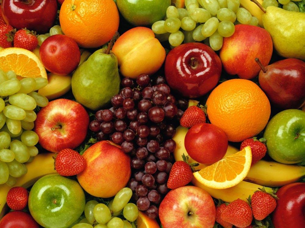 1. Evitu senŝeligi iujn fruktojn, kiel figo, persiko kaj pomo cele plikreskigi la kvanton da fibroj, kiuj grave rolas en la sanigo de la digesta sistemo.