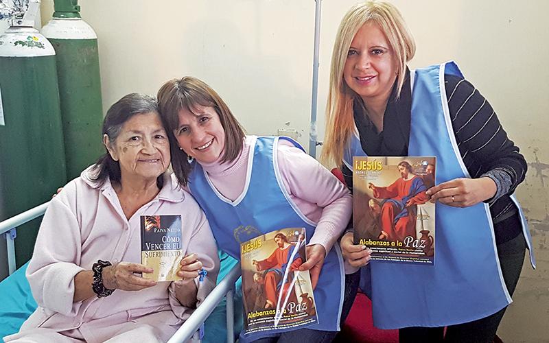 Montevideo, Uruguay — El Equipo del Departamento Espiritual, DAE, de la Religión de Dios, del Cristo y del Espíritu Santo estuvo en el Hospital de Clínicas para llevar a la población confort, oraciones y mensajes de paz.