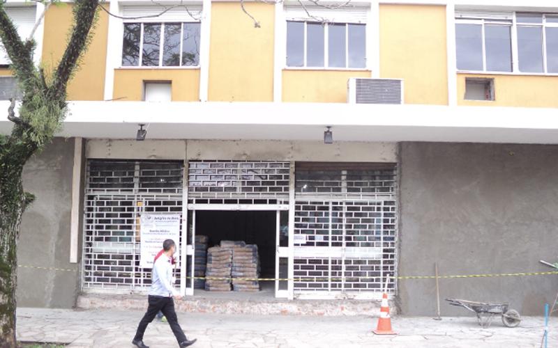 PORTO ALEGRE, RS— Vista parcial da fachada das novas instalações da Igreja Ecumênica da Religião de Deus, do Cristo e do Espírito Santo que está em obras.