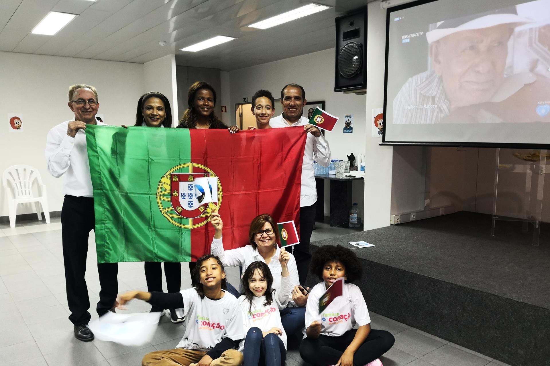 Lisboa, Portugal — Famílias presentes no 17º Fórum Internacional dos Soldadinhos de Deus, da LBV