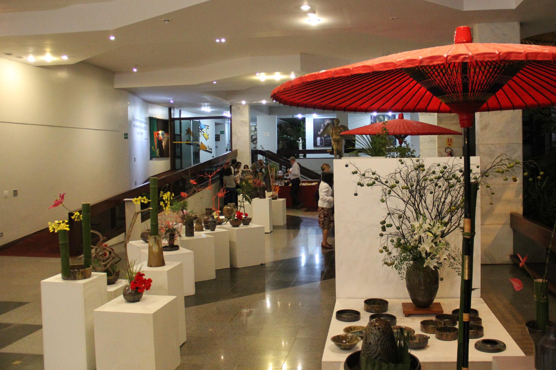 Brasília, DF - A exposição de Cerâmica japonesa e Ikebana Sogetsu estará na Galeria de Arte do Templo da Boa Vontade, TBV, até 31 de maio