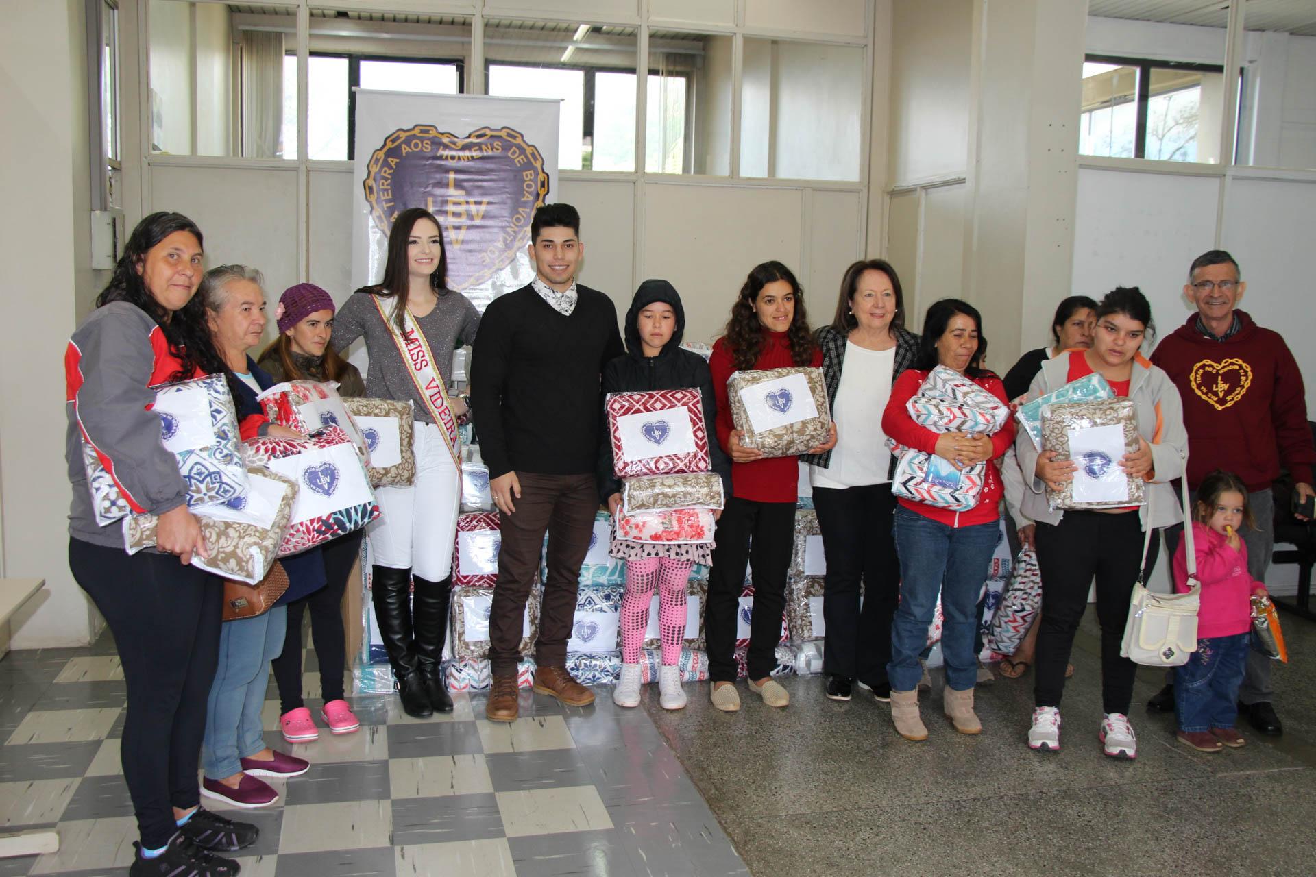 Videira/SC: O evento ocorreu no Departamento de Assistência Social da Cidade. As famílias beneficiadas são atendidas por instituições parceiras da LBV;