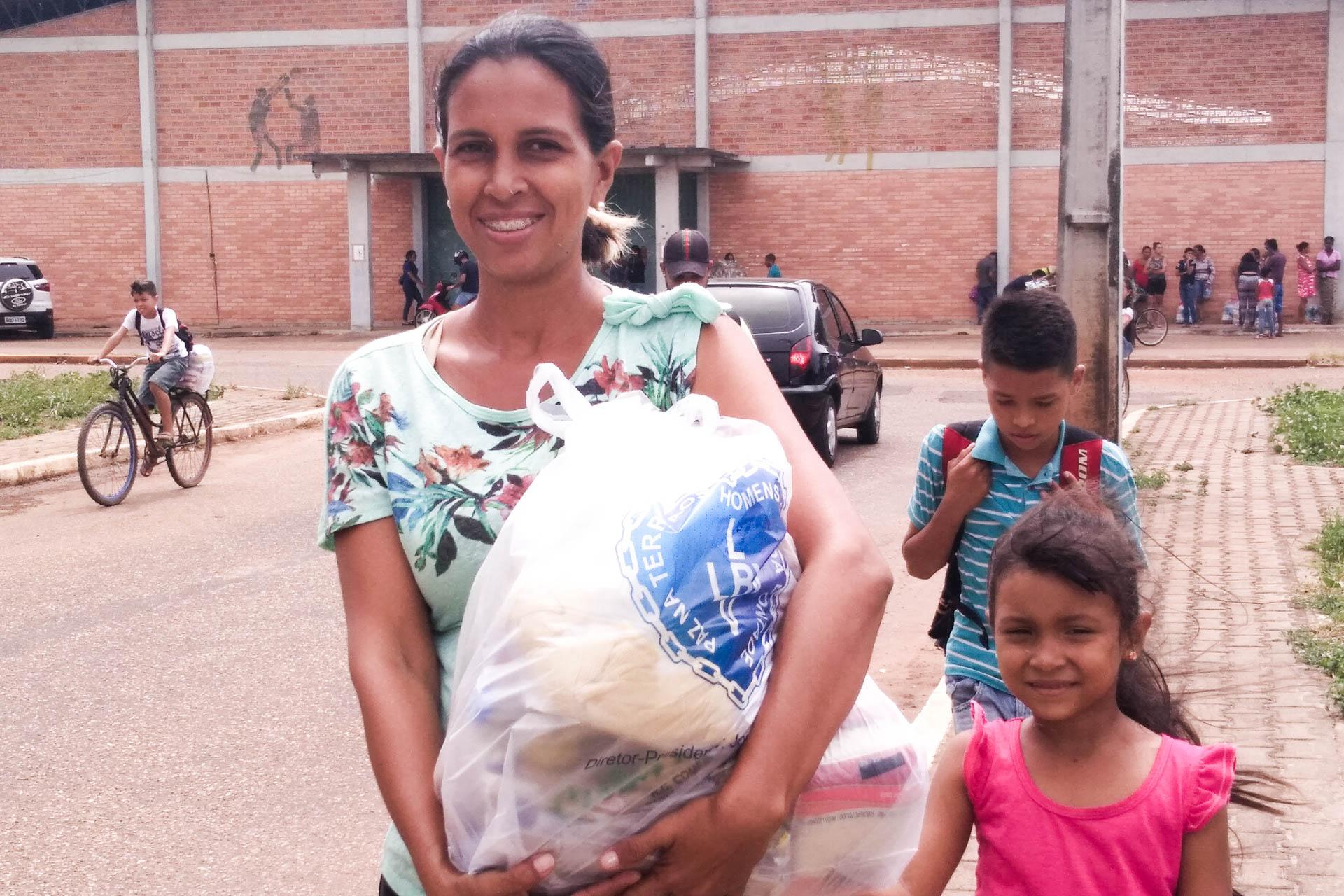 e864b1f5bc Famílias de Roraima recebem cestas de alimentos da LBV