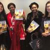 Nova York, EUA — As senhoras Marie-Jeanne Keita (de vermelho)e Sarr Djénébou Fofana, representantes da ONG Regards de femmese a Association Falato, receberam das mãos de Eliana Gonçalves (E) e Sônia Navarro, da LBV (D), a revista BOA VONTADE Mulher,em francês.