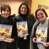Nova York, EUA — A sra. Latifa Rezzoug(E), membro do Conselho Nacional dos Direitos Humanos doMarrocose Fatima Sekkak (D), vice-presidente da organização Jossour Forum Des Femmes Marocaines. Elas receberam das mãos de Sônia Navarro a publicação da LBV para o evento.