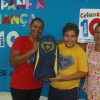 Araçatuba, SP — A entrega de kits contou com a presença de colaboradores e amigos da Boa Vontade, a exemplo da voluntária Janaina Leal, Ao lado, o jovem Pedro Henrique Bernandesjunto com a sua avó, Vera Lucia.
