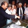 1984: Integrantes do Conselho Fiscal da Legião da Boa Vontade ouvem as explicações do dirigente da LBV sobre a maquete do TBV, que seria erguido em tempo recorde, em três anos e cinco meses, desde o lançamento da Pedra Fundamental (em 27 de maio de 1986).