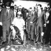 21 de outubro/1989:O irmão Francisco Camilo de Oliveira, na sua cadeira de rodas, representando simbolicamente aqueles que têmlimitações físicas, entrou primeiro na Nave do TBV, junto às crianças, evidenciando o respeito da LBV à sagrada pessoahumana.
