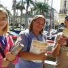 Petrópolis, RJ — Jovens de todas as idades realizam a Campanha de Entronização do Novo Mandamento de Jesus nos Corações de Boa Vontade na manhã deste sábado.