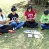 Assunção, Paraguai — Jovens de todas as idadesestudam juntos a revista JESÚS ESTÁ LLEGANDO! [JESUS ESTÁ CHEGANDO!, em espanhol] na manhã deste sábado, dentro da 42ª edição do Fórum.