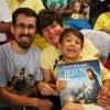 """São Paulo, SP — Os Soldadinhos de Deus, da LBV, já estão animados para começar a leitura da obra """"Vamos orar com Jesus"""". =D"""