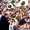 In March 1995, Paiva Netto, atop a truck, summoned the young people who overcrowded the square before the Temple of Good Will, in Brazil's capital, to begin the historic media march known as Operation Jesus. On that day, the Super Radio Brasília (AM 1210 kHz) became a part of the Good Will Communication Network.
