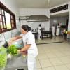 Volta Redonda/RJ — E na cozinha, uma equipe especial cuida de todo o preparo, com muita carinho, da refeição dos idosos e também de toda a equipe da LBV que trabalha na unidade.