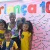 Belo Horizonte, MG - A Gabriela, o Pedro e a Júlia, filhos da Ariane, participam das atividades do Centro Comunitário de Assistência Social da LBV, e foram presenteados com os Kits de material escolar e pedagógico. E sobre essa felicidade,Ariane agradeceu:
