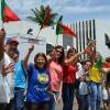 SÁBADO, 8 — Entusiasmados, peregrinos de Portugal aguardam a palavra fraterna de Paiva Netto, fundador do Templo da Boa Vontade (TBV).
