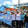 SÁBADO, 8 — Peregrinos da Argentina marcam presença no maior evento de Espiritualidade Ecumênica, que celebra a Paz e o Amor Universal.
