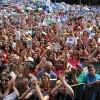 SÁBADO, 8 — A Verdadeira Felicidade, aquela que nasce no coração do ser humano integrado em Deus, toma conta dos peregrinos presentes na Praça da Paz.