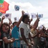 SÁBADO, 8 — Soldadinhos de Deus —como carinhosamente são chamadas as crianças nas Instituiçõesda Boa Vontade — marcam presença nas celebrações do Jubileu de Prata do Templo da Paz.