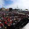 SÁBADO, 8 — A Praça da Paz foi tomada por peregrinos do Brasil e do mundo que vieram ao Templo da Boa Vontade paraouvir as palavras de Paz e Fraternidade do fundador do monumento.