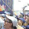 SÁBADO, 8 — Bandeirinhas do exterior registram a presença de peregrinos de várias partes do mundo.
