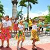 ARACAJU, SE — Além das belezas naturais do nordeste brasileiro, o clipe evidenciou os traçosmarcantes da capital sergipiana, como as roupas características da região, utilizando um figurino bem colorido.