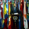 Paulo Medeiros, administrador do ParlaMundi da LBV, durante seu discurso de boas-vindas ao público.