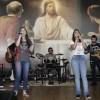 RIO DE JANEIRO, RJ —As Jovens Vanessa Klein e Marcelle Monteiro levantam o público presente no Festival Internacional de Música, da LBV!