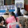 Marília, SP — As familias do interior paulistaaguardavam anciosas para receber seus cobertores e garantir sua proteção durante oinverno.