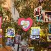 Ribeirão Preto, São Paulo — Na entrada da Igreja Ecumênica da Religião Divina, foramcolocadas fotos de todas as famílias dos Cristãos do Novo Mandamento de Jesus para receberem as bênçãos de mais um Fórum das famílias!