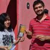 Belo Horizonte, MG — Com alegria, juventude ecumênica da Religião Divina realizapanfletagem dos artigos do escritor Paiva Netto.