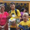 Foz do Iguaçu, PR - As famílias e crianças atendidas levam para casa, além do kit pedagógico, a certeza de um ano letivo tranquilo e seguro, sem a falta de material escolar.
