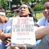 Salvador, BA—Jovens se reúnem para estudar os livros da série de livros