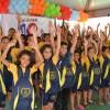 João Pessoa, PB - Registro final com muita alegria, sem baixaria! Parte das crianças que receberam os kits pedagógicos agradecem a ajuda da Legião da Boa Vontade!