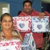 Registro, SP — Felizes, famílias recebem cobertores arrecadados pela campanha