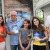 Amigos e familiares reunidos para compartilhar a alegria de participarem de mais um Encontro literário #EuLeioPaivaNetto, realizado neste domingo, dia 4 de novembro, durante a Feira do Livro de Porto Alegre.