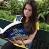 Leitora do escritor Paiva Netto em mais um Encontro literário na capital gaúcha.