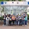 Alguns leitores que participaram do Encontro literário #EuLeioPaivaNetto durante a 64ª edição da Feira do Livro de Porto Alegre. Felizes, todos exibem recente lançamento do autor