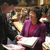 NOVJORKO, USONO — La mesaĝo de LBV speciale eldonita al la konferenco de Unuiĝintaj Nacioj estis prezentita al Hiroko Hashimoto, emerita profesorino de Studoj pri Genroj ĉe Jumonji University kaj direktorino de lernejoJumonji High School, de Japanio.