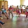 Ciudad del Este, Paraguay — Estudio de la revista ¡JESÚS ESTÁ LLEGANDO! en la escuela Madre Teresa de Calcuta