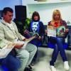 Montevideo, Uruguay — Legionarios de la Buena Voluntad estudian la revista ¡JESÚS ESTÁ LLEGANDO!