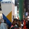 Muitas pessoasvisitama feira do livro mais movimentada do mundo de língua espanholae encontram o lançamento literário