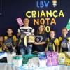 Piracicaba/SP — O jogador e artilheiro do campeonato paulista da série A2, Everton, visitou a LBV e participou da entrega de kits pedagógicos. Na ocasião, foi homenageado pela passagem do Dia doa Esportista, celebrado em 19 de fevereiro.