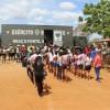 Irauçuba, CE — A entrega das cestas de alimento contou com o apoio do Exército. Os militares fizeram o transporte das cestas até a cidade Irauçuba e nas comunidades de Assentamento Mandacaru e São Joaquim, no sertão do Ceará.