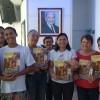 Niterói, RJ — Jovens ecumênicos de todas as idades realizaram a Campanha de Entronização do Novo Mandamento de Jesus nos Corações de Boa Vontade na manhã deste sábado, dentro da programação do Fórum.