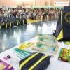 Palmital, PR - Alunos da rede municipal de ensino de famílias de baixa renda receberam kits com estojo, lápis preto e de cor, caneta, apontador, borrachas, tesoura, tubos e cola, cadernos, mochila, régua, entre outros.