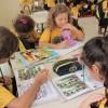 Florianópolis, SC: Para as crianças, o kit é uma motivação para que prossigam com os estudos, longe dos perigos das ruas; para os pais, os materiais pedagógicos são uma importante ajuda financeira, aliviando o orçamento de muitas famílias.