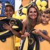 Florianópolis, SC -A diretora da Escola Basica Municipal Almirante Carvalhal, Cristiane Goulart, prestigiou a entrega de kits e fez questão de destacar: