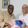SÃO PAULO, SP — Em visita ao Complexo Boracea, o dr. Celino Bárbara (E), diretor do Círculo Esotérico da Comunhão do Pensamento da Capital Paulista, eEduardo da Silva, gerente de serviços da Apoio (Associação de Auxílio Mútuo), contribuíramcom a entrega de cestas de alimentos para os atendidos do local. Ao todo, a parceria entre a Religião do Terceiro Milênio e a Legião da Boa Vontade (LBV) resultou em uma tonelada de alimentos não perecíveis.